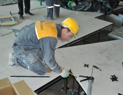 Pakeliamų grindų įrengimas